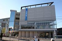 加須図書館の外観の写真
